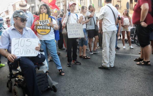 Clujenii nu au încredere în Parlament și în partidele politice