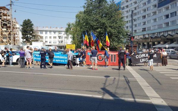 """Românii din diaspora au scandat la Cluj: """"Să vă fie frică, Ardealul se ridică"""""""