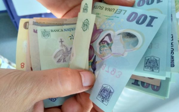 Persoanele care își plătesc anticipat contribuțiile sociale primesc o bonificație de 10%