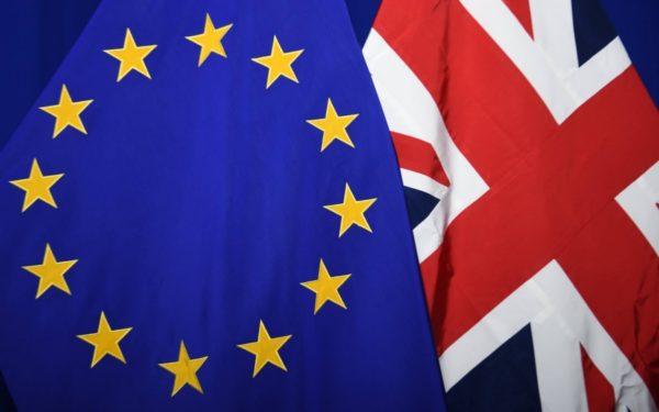 Românii din Marea Britanie vor avea aceleași drepturi și după Brexit, dă asigurări ambasadorul Regatului Unit la București
