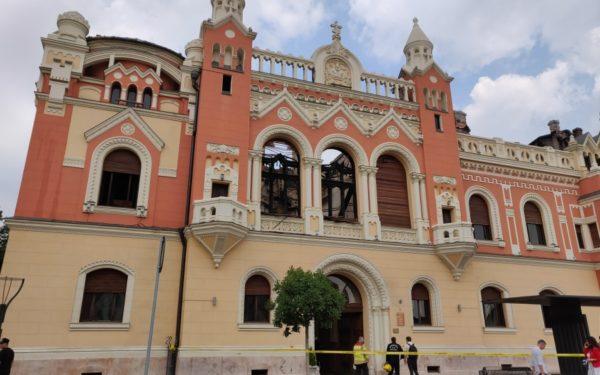 Arhiepiscopia Clujului, prima instituție bisericească din România care a donat bani pentru refacerea Palatului Episcopal din Oradea
