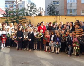 FOTO   A început școala! Ce așteptări au elevii, părinții și profesorii clujeni în noul an