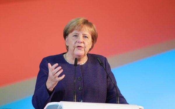 Angela Merkel face apel la înființarea unei armate a Uniunii Europene