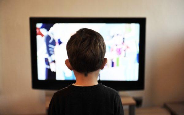 Filmele româneşti vor fi subtitrate pentru a deveni accesibile persoanelor cu deficiențe de auz