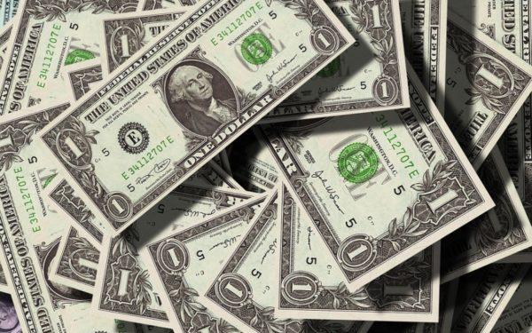 Cei mai bogați 500 de oameni din lume au pierdut din cauza prăbușirii burselor 99 de miliarde de dolari