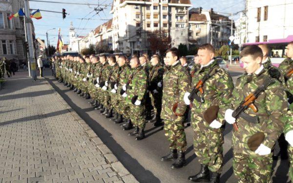 FOTO & VIDEO | Ziua Armatei Române, celebrată la Cluj cu o defilare a militarilor
