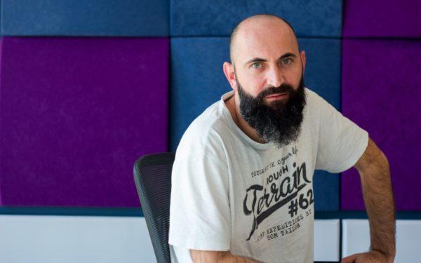 """Călin Petrar, fondator Times New Roman: """"În Cluj sunt mai mulți hipsteri decât în București"""""""