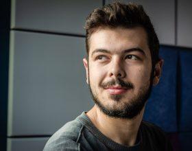 """Ionuț Danci, unul dintre inventatorii husei care ne spune dacă stăm corect pe scaun: """"Tehnologia ar trebui să lucreze pentru mine, nu să interacționez tot timpul cu ea"""""""