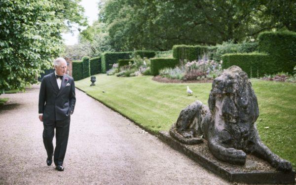 Regina Marii Britanii plănuiește să îl numească pe prințul Charles prinț regent