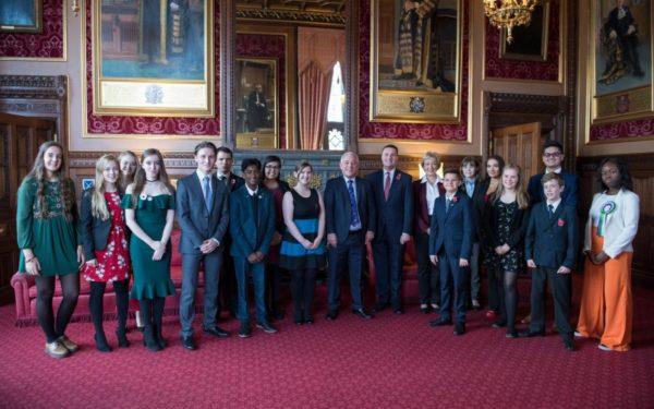 VIDEO | Un tânăr român care trăiește în Țara Galilor, aplaudat în Parlamentul britanic