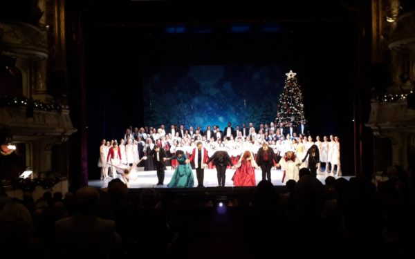 FOTO&VIDEO | Colindele și muzica specială de Sărbători, pe placul clujenilor. Opera Română a fost nevoită să suplimenteze numărul spectacolelor de Crăciun