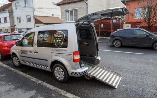FOTO | Primul taxi comunitar din Cluj-Napoca, The Beard Mobile, primește finanțare de la Primărie