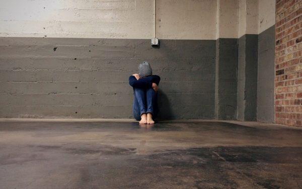 Bullying-ul, o problemă cu care se confruntă tot mai mulți copii. Îmbrâncelile, piedicile, poreclirea și farsele nepotrivite vor fi interzise în școli
