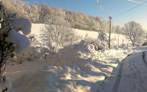 Copiii din două sate din județul Cluj nu au ajuns, din cauza zăpezii, la școală