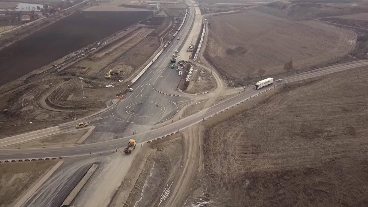 Darea în folosință a 18 noi kilometri de autostradă între Cluj și Târgu Mureș ar putea fi amânată
