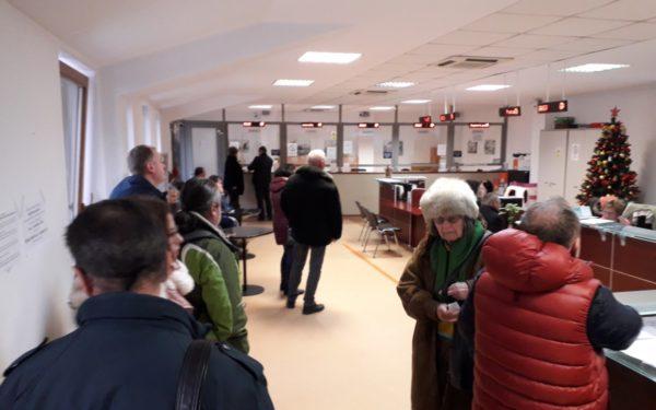 FOTO | Clujenii întârziați au plătit taxe și impozite pe ultima sută de metri. Anul acesta s-au încasat peste 100 de milioane de lei la bugetul local