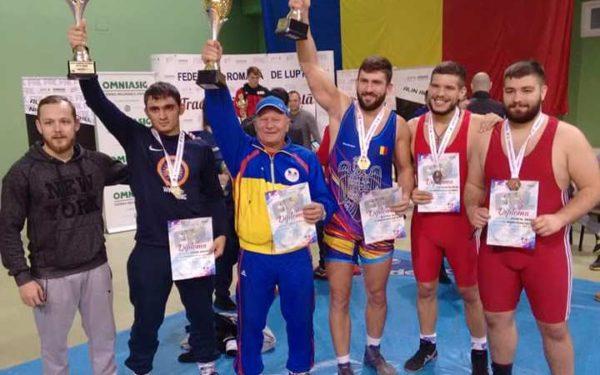Luptătorii de la Universitatea Cluj, vicecampioni naționali