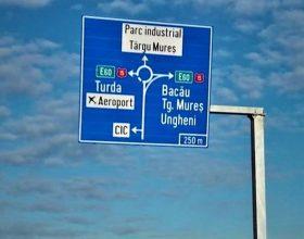 Semnalizarea pe autostrada Transilvania, pe tronsonul Iernut-Aeropotul Târgu-Mureș, îi poate deruta pe șoferi. Ce spune Compania de Autostrăzi