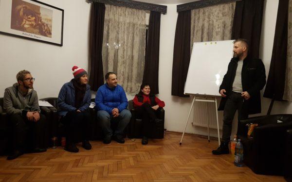 FOTO | Tabără de burnout la Ciucea, lângă Cluj. Aproape jumătate din populația activă a țării suferă de acest sindrom