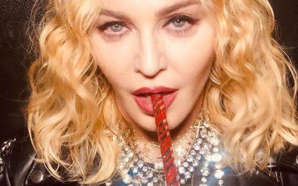 VIDEO | Madonna a susținut un recital neanunțat într-un bar din New York de Anul Nou