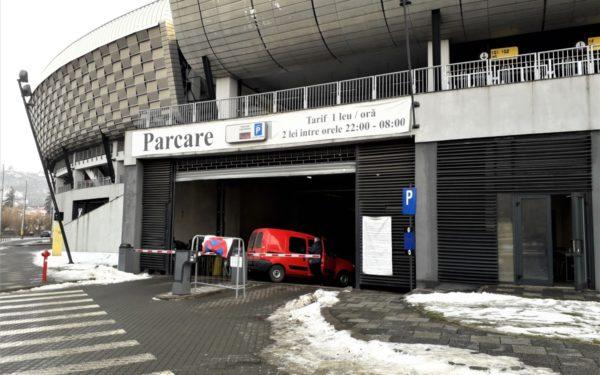 Tarifele mai mari și scăderea numărului de parcări în centru îi alungă pe șoferi spre parkingurile din zona semicentrală