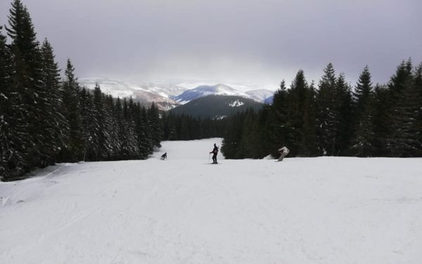57 de accidente pe pârtiile de schi din județul Cluj, în ultimele trei săptămâni