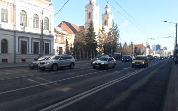 """Introducerea, la Cluj, a sistemului care depistează în timp real mașinile care trec pe roșu, """"la mâna"""" legiuitorilor"""