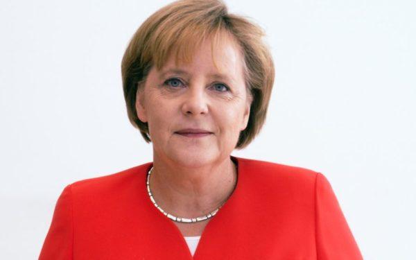 Angela Merkel, propusă de Matteo Renzi pentru postul de preşedinte al Consiliului European