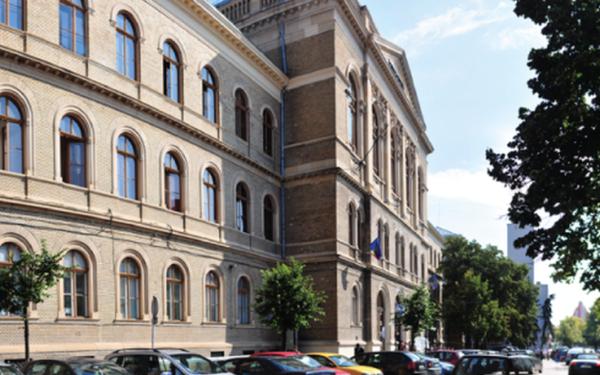 Peste 2.000 de profesori de la UBB, evaluați de studenți