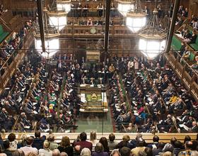 Camera Comunelor obligă Guvernul Theresa May să ceară amânarea Brexit pentru a evita ieşirea fără acord