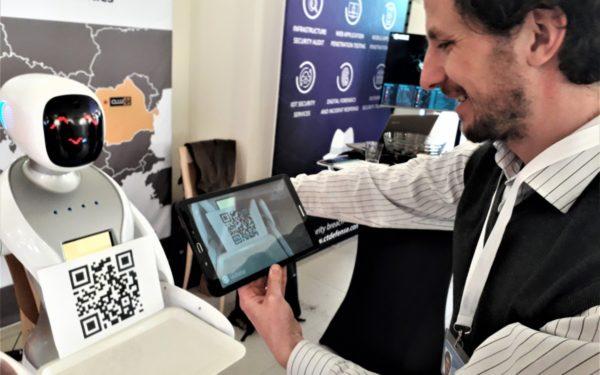 Startup Europe Summit | Inovații dezvoltate la Cluj: robotul-ospătar și sistemul inteligent care ajută la dirijarea avioanelor