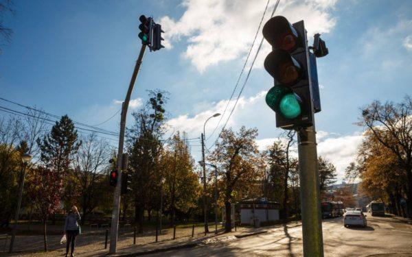 Mai multe intersecții și treceri de pietoni din Cluj-Napoca vor fi semaforizate în acest an