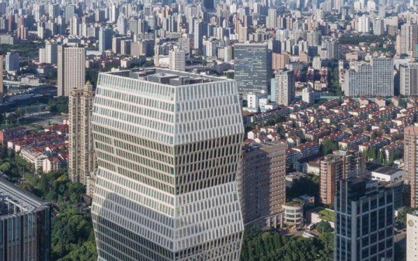 VIDEO | Zgârie-nori inspirat de Coloana Infinitului, a lui Brâncuși. Clădirea de 38 de etaje a fost inaugurată în China