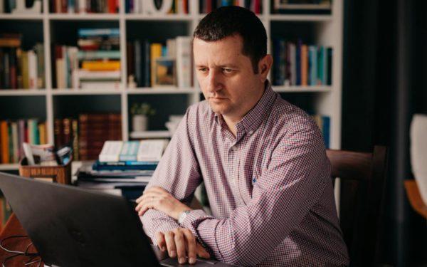 Interviurile EBS | Călin Hințea, decanul facultății de Științe Politice: Impactul financiar al UBB în comunitatea clujeană ajunge anual la 600-700 de milioane de euro