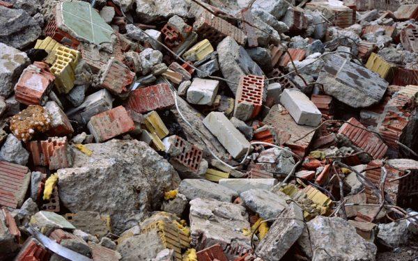 Peste 260 de cazuri de depozitare ilegală de deșeuri au fost depistate de Poliția Locală la Cluj în trei luni