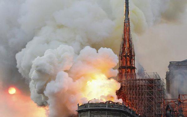 Újjáépül a párizsi Notre Dame székesegyház