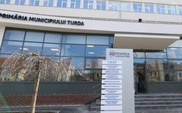 Turdenii nu mai trebuie să vină la Cluj-Napoca pentru pașapoarte. De miercuri, aceștia pot depune cererile la Biroul Unic din oraș