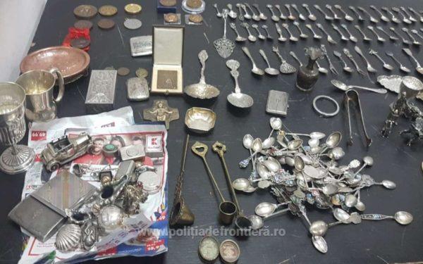 FOTO & VIDEO   Peste 10 kilograme de bijuterii și obiecte vechi, găsite de polițiști de frontieră în bagajele unui chinez