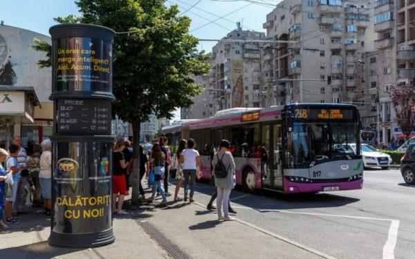 Most már bankkártyával is lehet buszjegyet, buszbérletet vásárolni