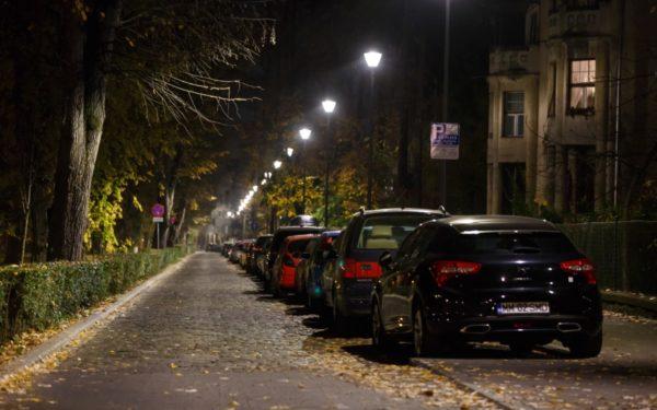 FOTO | Sistem de iluminat modern și eficient în Parcul Central din Cluj. Investiția se ridică la 535.000 de lei