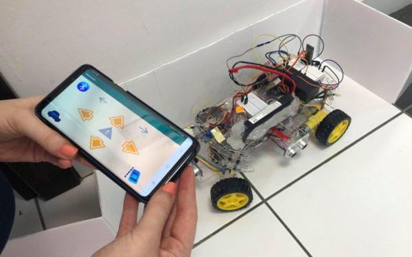 FOTO | UTCN intră în era 4.0. Universitatea a deschis laboratorul Internet of Things pentru implementarea prototipurilor gândite de studenți