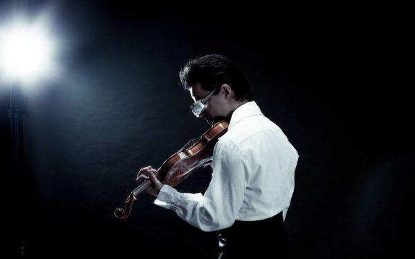 Unul din cei mai apreciați tineri violoniști de la nivel internațional concertează luna viitoare la Cluj