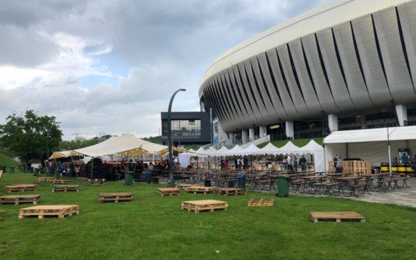 FOTO | Creatorii de bere și-au dat întâlnire pe Aleea Stadion. Clujeni se pot delecta cu băuturi făcute după rețete speciale cu ingrediente inedite