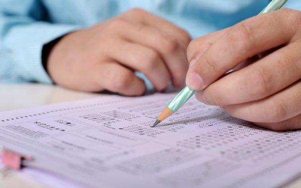 CLUJ   29 de absolvenți de clasa a VIII-a au primit 10 pe linie la Evaluarea Națională