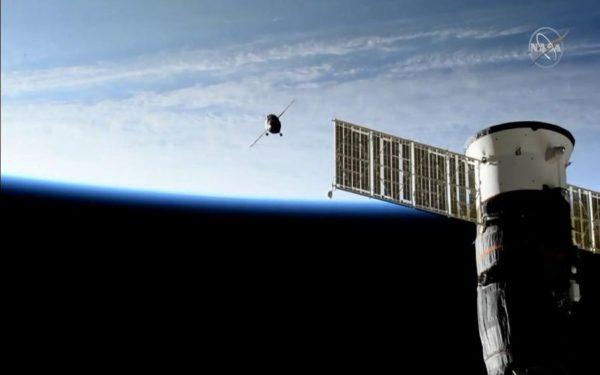 Robotul umanoid Fedor a ajuns pe Stația Spațială Internațională și și-a cerut scuze pentru întârziere