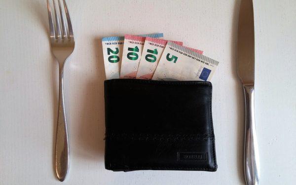Cum se vede legalizarea bacșișului la Cluj. Principalul câștig este plata cu cardul!