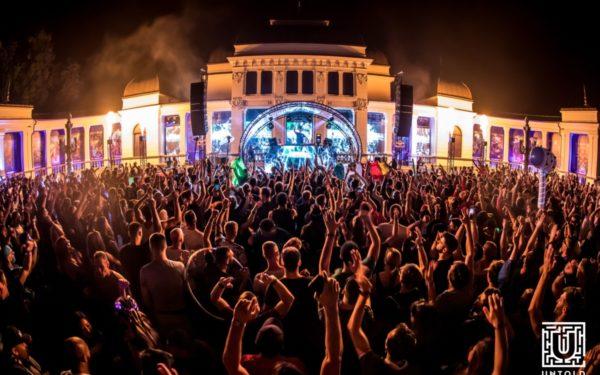 Turist la Untold. Tineri din întreaga lume descoperă Clujul cu ocazia festivalului