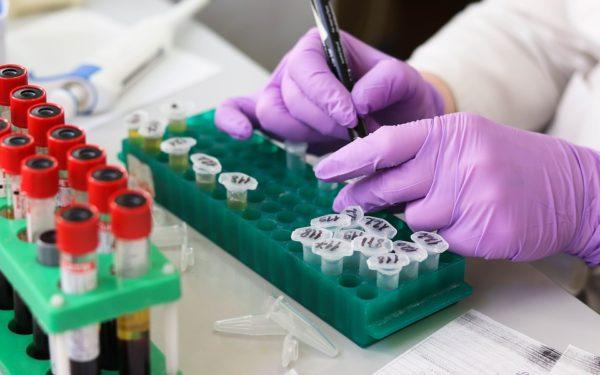 Testări gratuite de depistare a cancerului de col uterin
