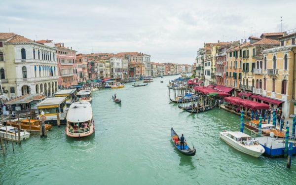 Vapoarele de croazieră vor fi interzise în centrul istoric al Veneției