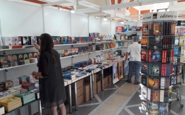 FOTO | Cărțile interactive pentru copii, titluri clasice, dar și ultimele apariții editoriale, atracțiile Bookfest
